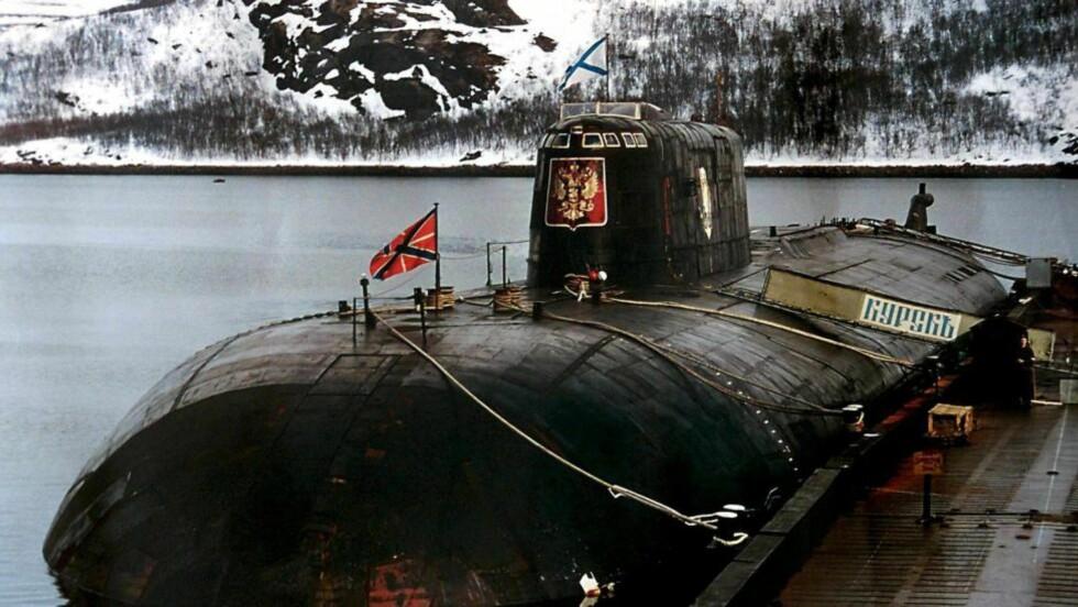 118 MENNESKER DØDE: Hele mannskapet på den russiske ubåten Kursk døde da den sank i Barentshavet i august 2000. I etterkant fulgte store politiske konsekvenser. Foto: NTB Scanpix