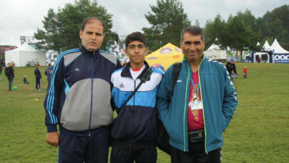 VIL NÅ LANGT: Trener Fadi El Madhoun, Wesam Salama og Jamal Nati håper laget vinner årets turnering. Foto: Ine-Elise Høiby