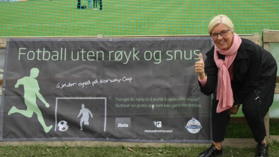 TOMMEL OPP: Lisbeth Normann er fornøyd med kampanjen på Ekebergsletta denne uka. Nå håper hun på tobakksfri ungdom. Foto: Ine-Elise Høiby