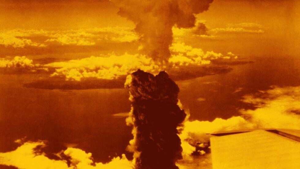 NAGASAKI: Soppskya steg 18 000 meter til værs etter atombomba som amerikanerne slapp over Nagasaski 9. august 1945. Foto: SCIENCE PHOTO LIBRARY / NTB SCANPIX