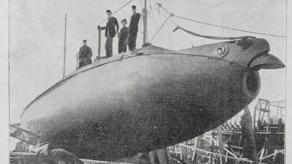 DESIGNET SOM EN FISK: Ubåten «Fulton» ble bygd for Tsar-Russlands marine og fikk en design som minnet om fiskearten Malle. Derfor fikk denne ubåtklassen navnet «Catfish» på engelsk «Som» på russisk.
