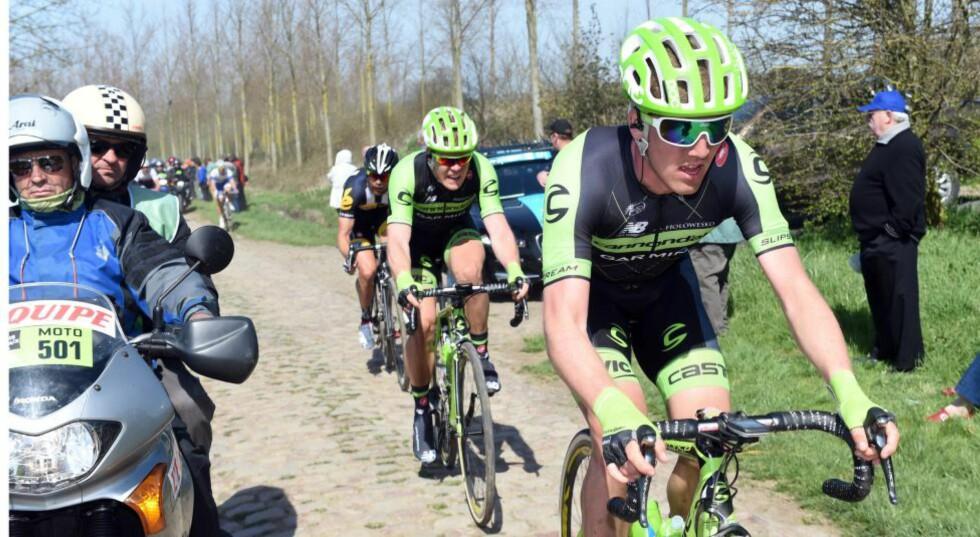 HARD ÅPNING: Kristoffer Skjerping fikk raskt føle hvordan det er å sykle mot de aller beste i verdens største sykkelritt. Allerede i sitt første år som profesjonell syklet han Paris-Roubaix. Foto: Slipstream Sports