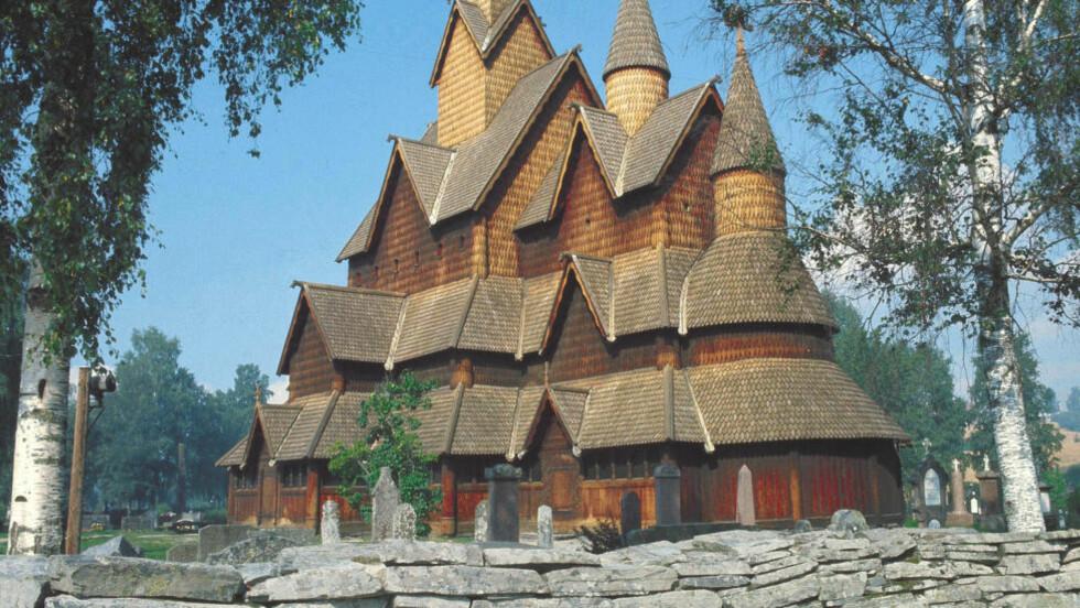 POPULÆRE: Heddal Stavkirke, Notodden i Telemark er en av Norges best bevarte stavkirker. Den eldste delen er fra ca. 1250. Hele kirken restaurert på 1950-tallet. NTB arkivfoto: Bjørn Sigurdsøn / NTB scanpix