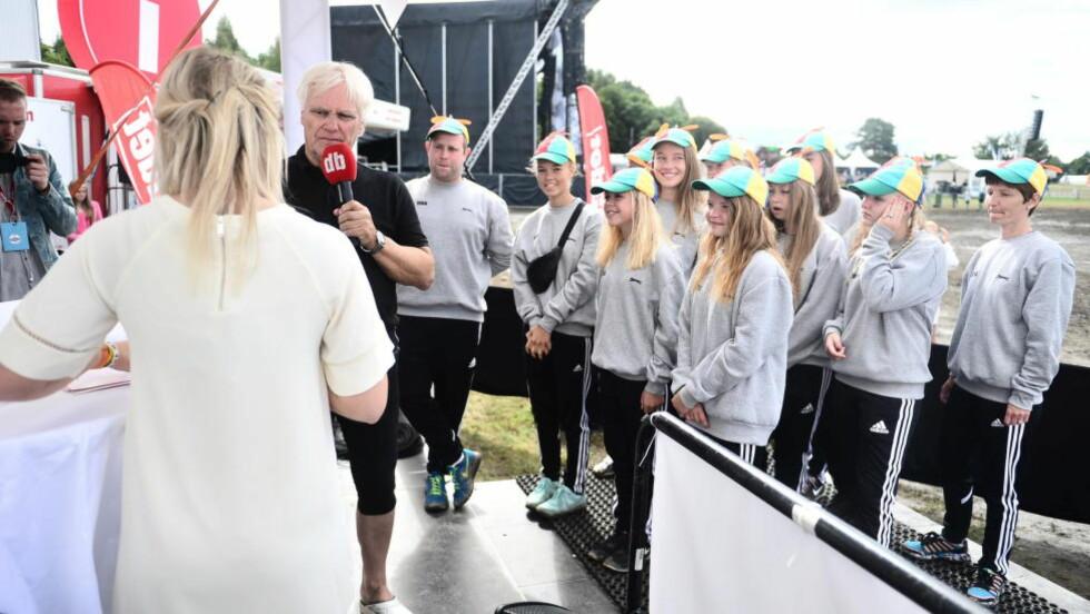 På direkten: Norway Cup-general Frode Kyvåg delte ut Antitrollprisen på DBTV. Foto: Thomas Rasmus Skaug