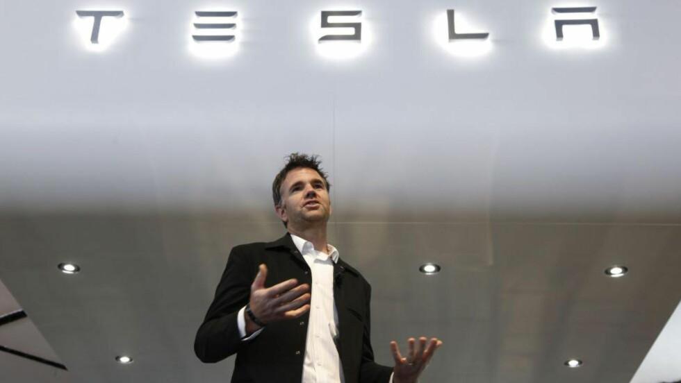 FRANZ VON HOLZHAUSEN: Sjefsdesigneren i Tesla skaper mye spenning rundt nye Model 3 Foto: NTB/SCANPIX