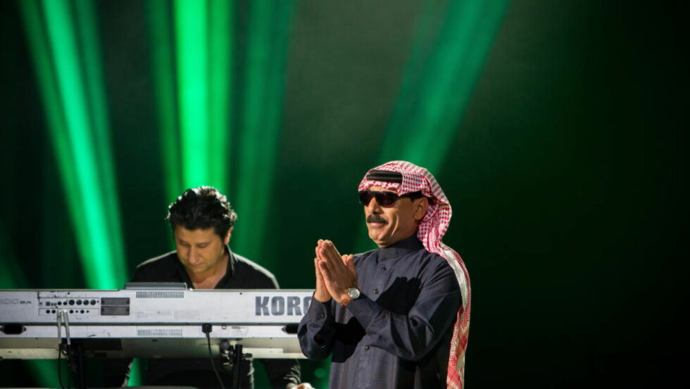 SYRISK SYRE: Omar Souleyman fusjonerer tradisjonell midtøstlig musikk med blant annet acid house. I 2013 fremførte han under Nobelkonserten i Oslo Spektrum, Foto: Tommy Arnesen /Dagbladet