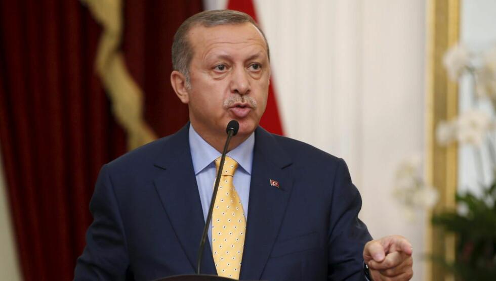 - DRUKNER FLYKTNINGER: Den frittalende presidenten Recep Tayyip Erdogan mener Europa har en del av skylda for menneskelivene som går tapt i Middelhavet. Foto: REUTERS/Darren Whiteside/NTB Scanpix
