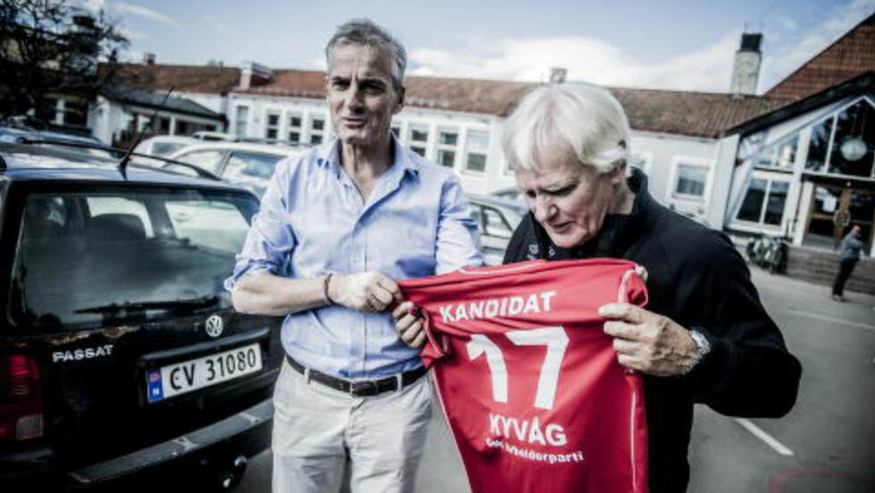 Ny på laget:  Jonas Gahr Støre, her sammen med Frode Kyvåg på Norway Cup 2015. Kyvåg går nå inn på Ap-laget i Oslo.  Foto:Thomas Rasmus Skaug