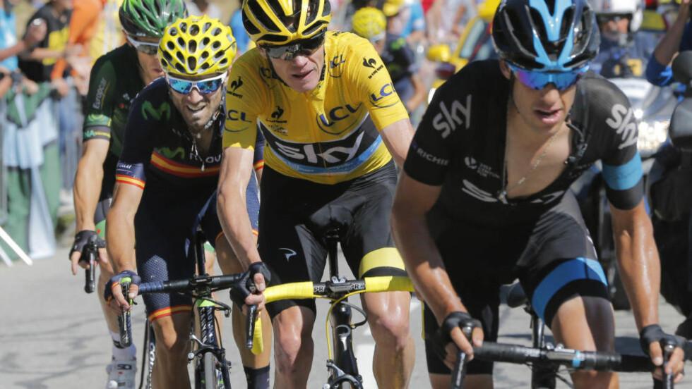 FORLATER SKY: Richie Porte (t.h) skal sykle for BMC til neste år. Den sterke 30-åringen har vært en viktig brikke i Chris Froomes to Tour de France-titler. (AP Photo/Christophe Ena)
