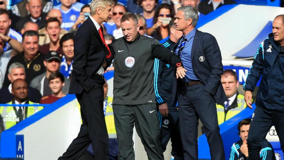 NY SJANSE: Arsène Wenger har en forferdelig statistikk mot José Mourinho. På 13 forsøk står han fremdeles uten seier, men søndag får han en ny sjanse når Arsenal møter Chelsea i Community Shield. Foto: NTB Scanpix