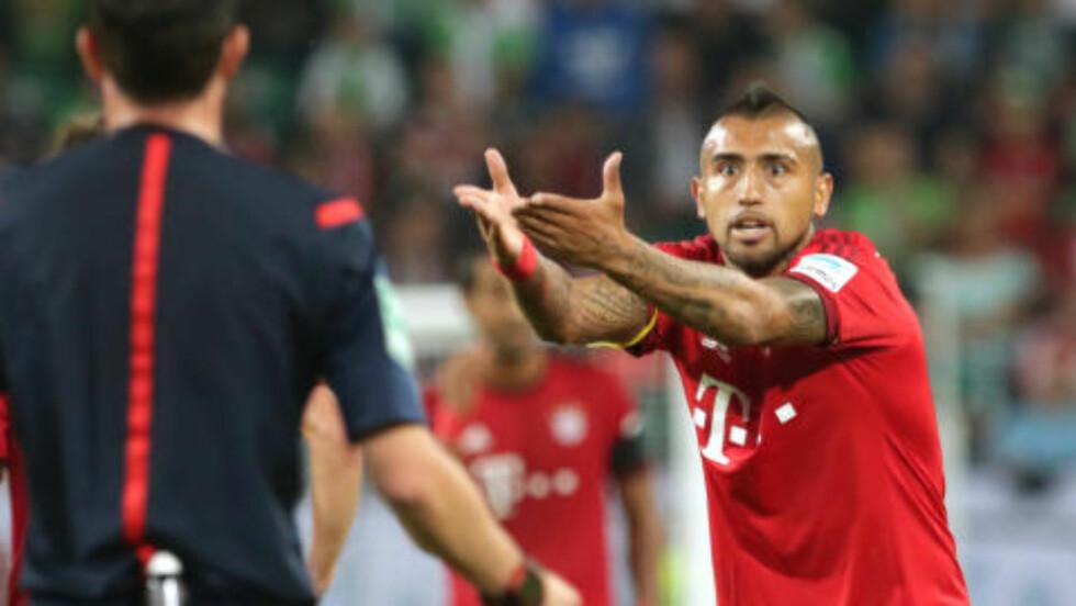 DEBUTERTE:  Den nyinnkjøpte midtbaneterrieren Arturo Vidal fikk sin debut for Bayern da han kom inn etter 74 minutter. Han scoret i straffesparkkonkurransen, men var ellers lite involvert. Foto: NTB Scanpix