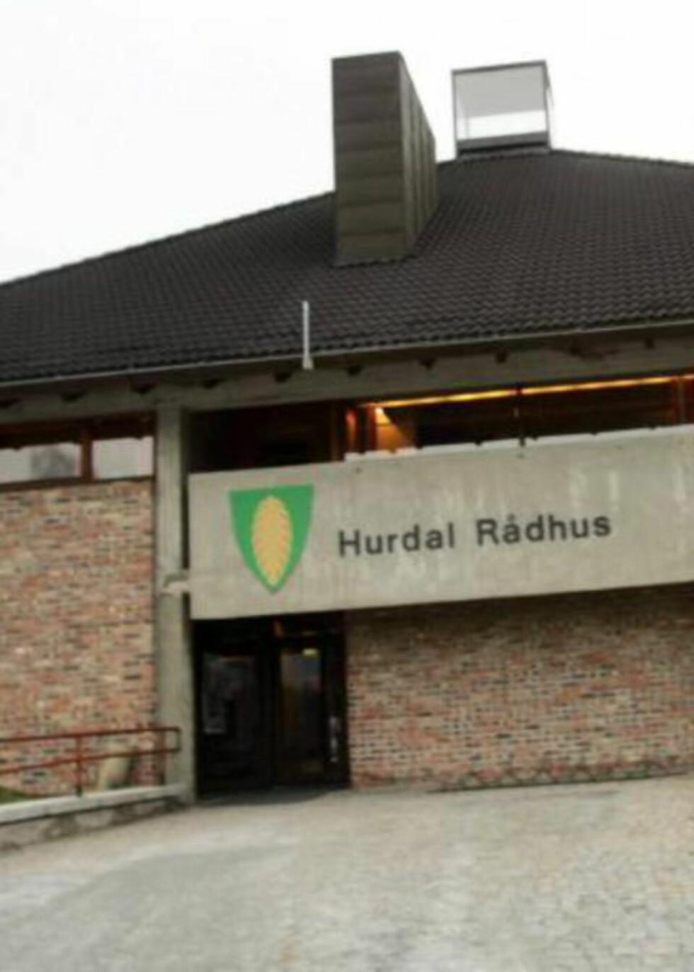 PUSSES OPP: Rådhuset i Hurdal kommune. Foto: NTB SCANPIX