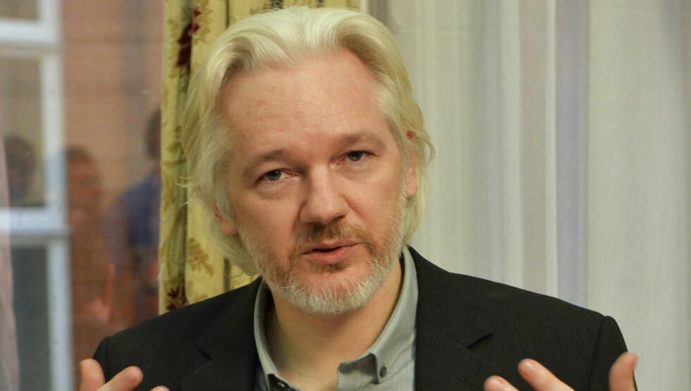 FORTSATT SIKTET FOR VOLDTEKT: SIden 2010 har Wikileaks-sjefen Jullian Assange vært etterlyst av svensk påtalemyndighet, anklaget for seksuelle overgrep mot to svenske kvinner i 2010. REUTERS/John Stillwell/pool