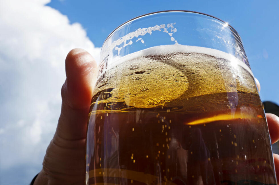 FARLIG KOS?: Ny forskning viser at det ikke skal store alkoholinntaket til før kreftrisikoen øker.  Foto: Mimsy Møller/Samfoto/NTB Scanpix