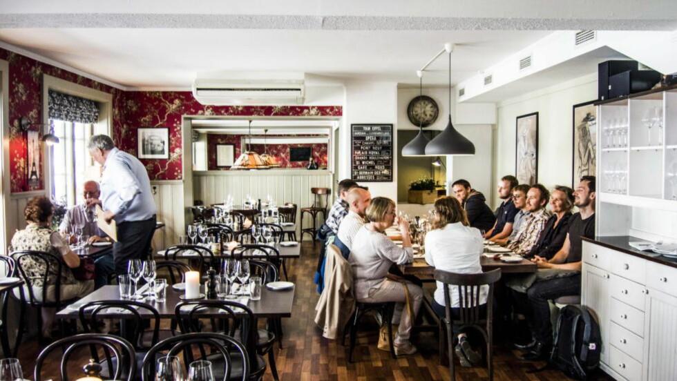 <strong>MODERNE KLASSIKER:</strong> Det er hyggelig hos Chez Colin, men det er maten som begeistret Robinson &amp; Fredag. Foto: THOMAS RASMUS SKAUG