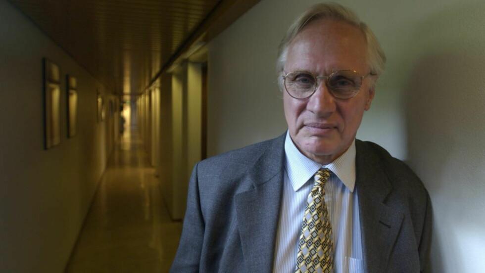 DØD: Professor Francis Sejersted er død. Foto: Lars Eivind Bones
