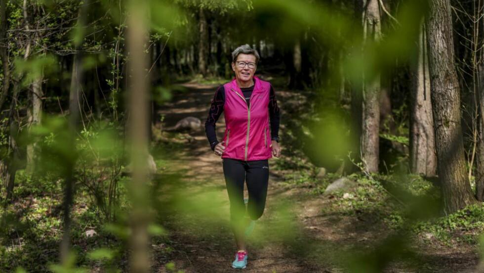 IKKE BIND DEG: Tidligere verdensmester Ingrid Kristiansen advarer mot å løpe for fort på trening, for da dukker gjerne de høye skuldrene opp.  Foto: Stein J. Bjørge / NTB Scanpox