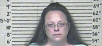 Hun ville nekte homofile å gifte seg i «Guds navn». Nå har hun havnet i fengsel