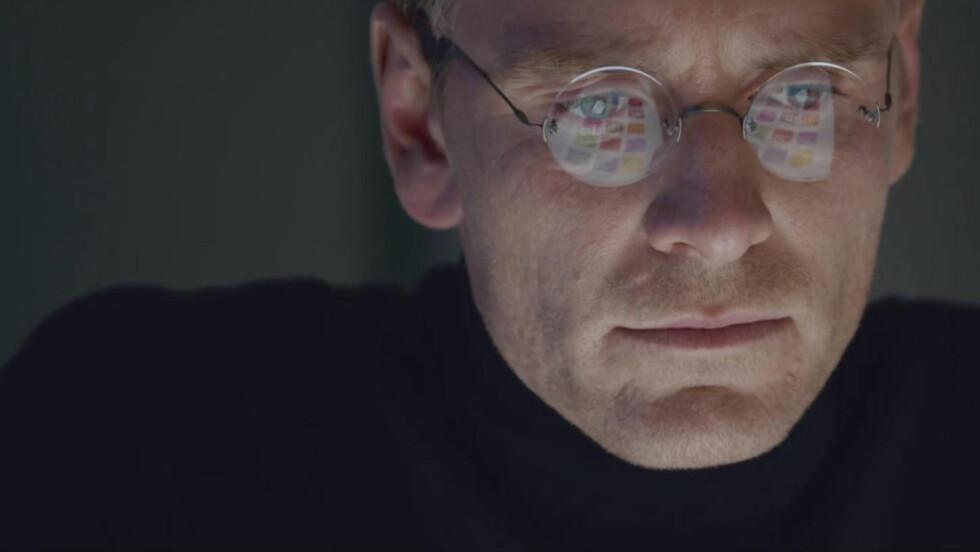 HYLLES: Michael Fassbender i rollen som Steve Jobs i filmen med samme navn. Foto: Universal / NTB Scanpix
