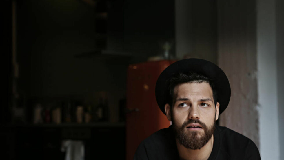 TYR TIL KOMMERSIELLE KREFTER: Alejandro Fuentes' nye låt «Nabolaget mitt» er sponset av boligselskapet Selvaag Bolig. Foto: Frank Karlsen / Dagbladet
