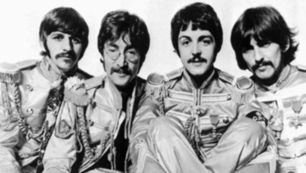 PIRKER BORTI: Forskere prikere borti Beatles-gutta Ringo Starr, John Lennon, Paul McCartney og George Harrison og hever de ikke var så nyskapende. Foto: AP / NTB Scanpix