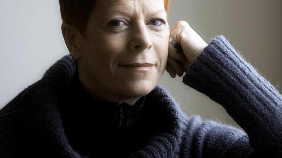 HELT FEMI: Wencke jobber som kjønns- og medieforsker, med forståelser av kjønn og seksualitet i kultur, kunst og medier. I tillegg er hun skribent og forfatter. Foto: JØRN H. MOEN