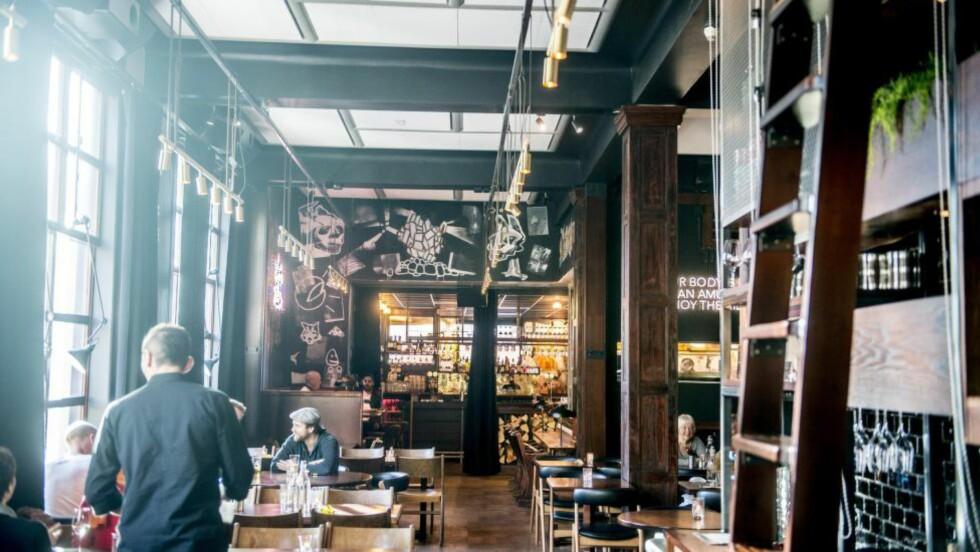 NYTT TREFFSTED: Restaurant Hvaskjer byr på sterke smaker i retro-inspirert interiør på Torshov. Foto: THOMAS RASMUS SKAUG