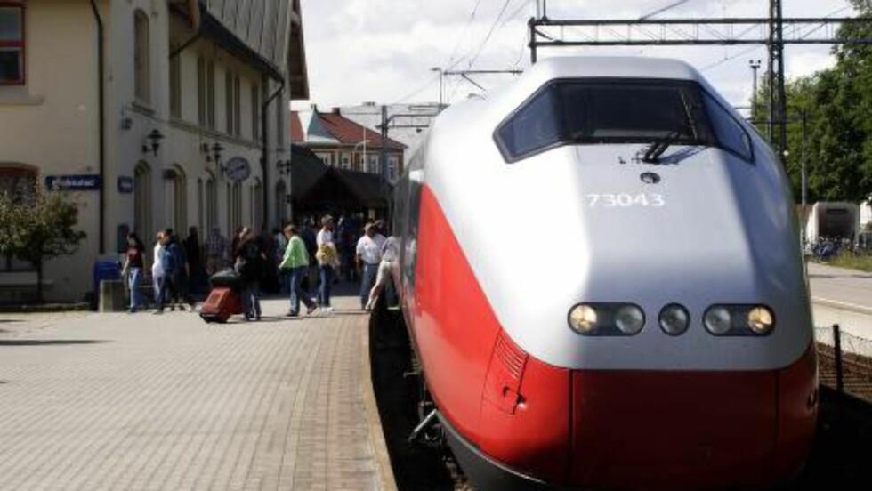 BØR UT: Østfoldbanen bør ikke gå via Fredrikstad sentrum, mener Ueland. Foto: Espen Bratlie / Samfoto