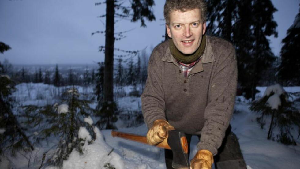 FORFATTEREN BAK: Nå skal Morten Tyldum lage en internasjonal tv-serie basert på Lars Myttings roman «Svøm med dem som drukner». Foto: Anders Grønneberg