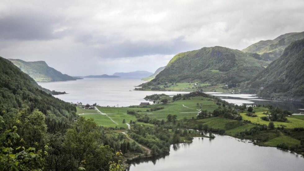 VAKKER NATUR - OG ARBEIDSPLASSER:  Det er ikke aktuelt å omgjøre konsesjonen til å lage sjødeponi i Førdefjorden, sier statsminister Erna Solberg. FOTO: ØISTEIN NORUM MONSEN/DAGBLADET.
