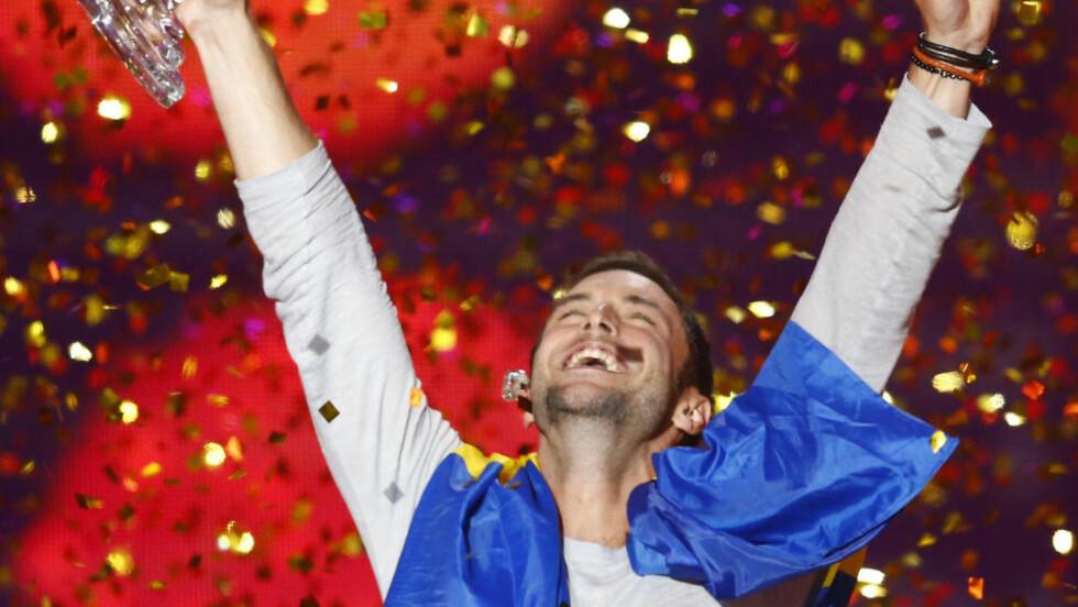 VINNER:  Måns Zelmerlöw og Sverige innfridde og vant Eurovision 2015 med låta «Heroes» i Wien. Foto: Jessica Gow/NTB/Scanpix