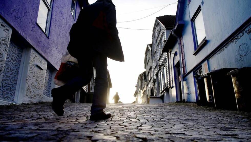 LYS FRAMTID?  Stavanger tar godt vare på det gamle, men den moderne byen lider av fortynning. Kan den kommende sentrumsplanen vise vei? Foto: Luca Kleve-Ruud / Samfoto