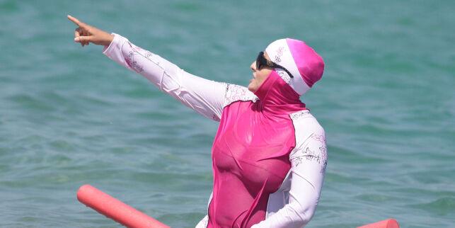 Fransk by stenger bassenger etter burkini-bading