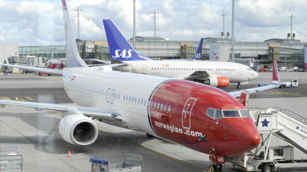 TURBULENT BRANSJE: Espen Andersen ved BI mener årsaken til de usikre forholdene i luftfartsbransjen koker ned til en enkel oppskrift. Hovedproblemet er at flyselskapene ikke tjener penger. Foto: Terje Pedersen / NTB scanpix