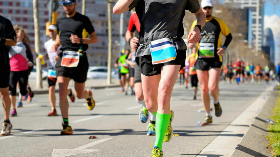 MIL ETTER MIL: For å fullføre en maraton på under respektable fire timer trenger du blant annet en langtur i uka på mellom to og tre timer. Foto: NTB Scanpix