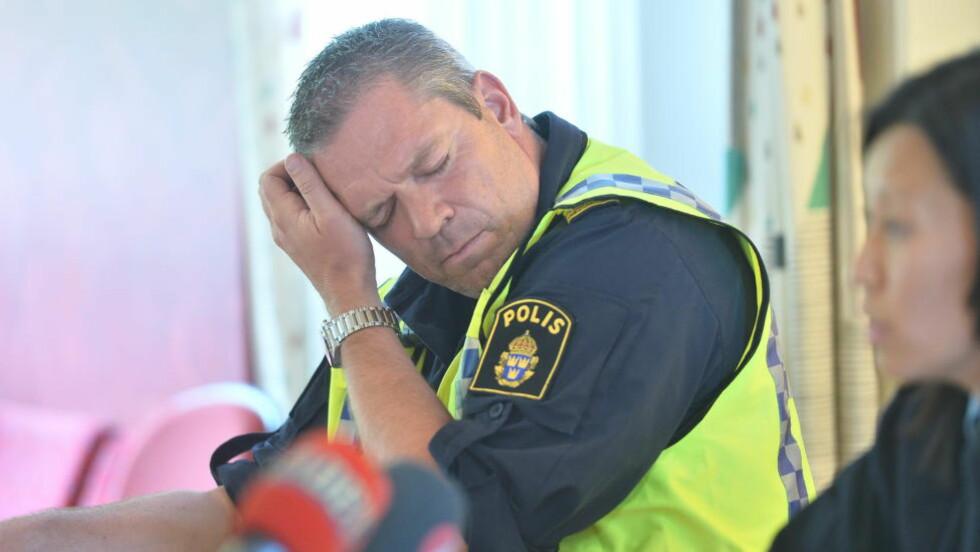 <strong>OMFATTENDE SØK:</strong> Innsatsleder Martin Fredman forklarer hvordan politiet jobbet 50, 60 mann sammen med organisasjonen Missing People og 1500 mennesker, før de fant Lisa død fredag. Organisasjonen påtraff de nå siktede i saken. Foto: Thomas Rasmus Skaug / Dagbladet