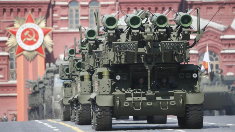 MIKROBØLGER:  Russlands nyeste tilskudd til landets arsenal skal være et mikrobølgevåpen. Våpenet skal kunne monteres på allerede eksisterende missilsystemer, og skal ifølge produsenten kunne nøytralisere droner og missiler. Foto: Reuters / NTB Scanpix