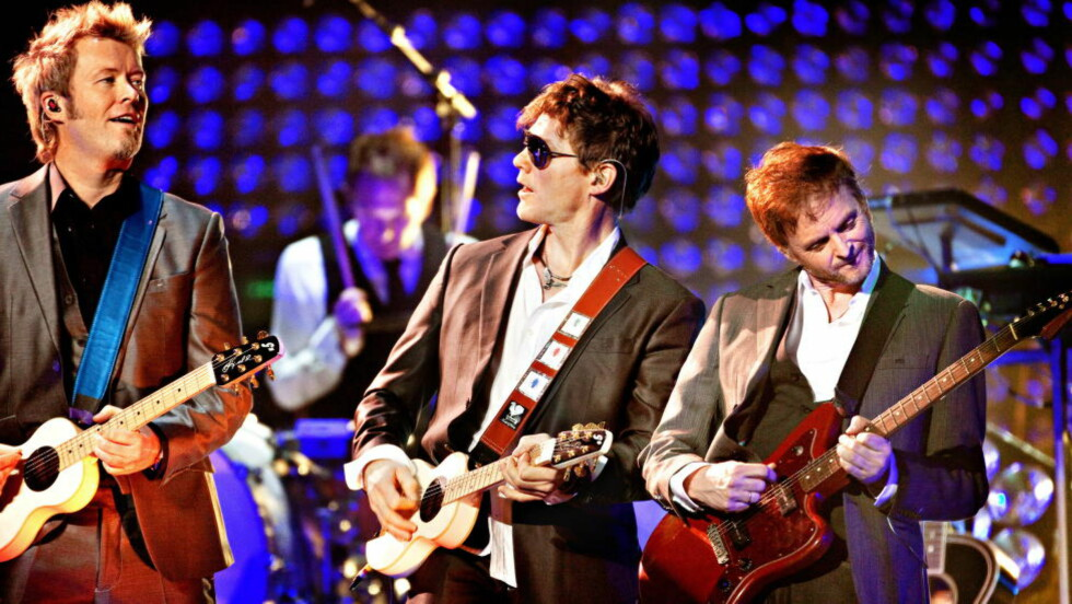 NY START: Her spiller A-ha sin avskjedskonsert i desember 2010 i Oslo Spektrum. Nå gjør de comeback med ny musikk. (f.v. Magne Furuholmen, Morten Harket, Paul Waaktar-Savoy) Foto: Lars Eivind Bones / Dagbladet