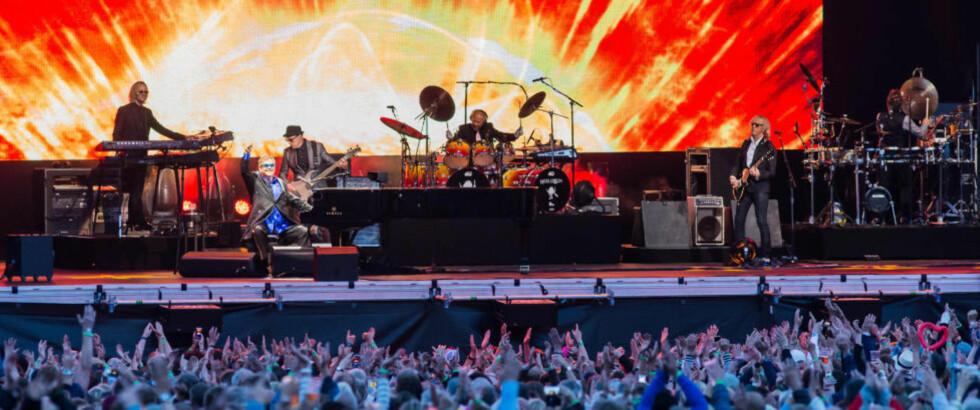 GUBBEROCK: Sir Elton John & co. slo godt an hos Stavnerfestivalens publikum. Det synes vår anmelder er problematisk. Foto: Johannes Andersen.