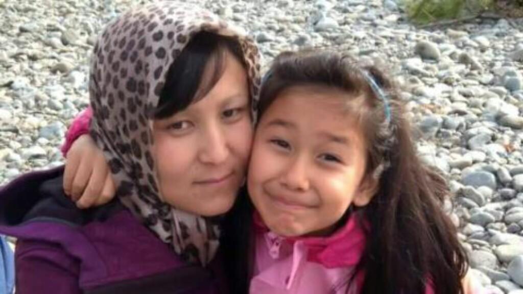 FIKK FØRST OPPHOLD:  Da mamma Noorya og Farida kom til Norge i 2011, fikk de opphold på humanitært grunnlag. Men da faren plutselig dukket opp, forsvant oppholdstillatelsen. UNE mener familien løy, mens de sjøl mener de har vært ærlige fra dag én. Foto: Silje Jøranli