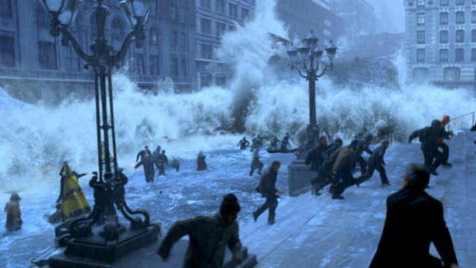 Katastrofefilm: The Day After Tomorrow beskrev effektene av at Golfstrømmen stanser opp. - Det eneste vi vet er at det ikke blir som i denne filmen, sier Ciceroforsker Bjørn Samset  Foto: Filmweb