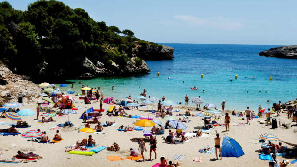 MALLORCA:  Nå går turer til Cala D'Or stranden og flere andre steder på Mallorca for under 2000 kroner. Foto: JOHN T. PEDERSEN