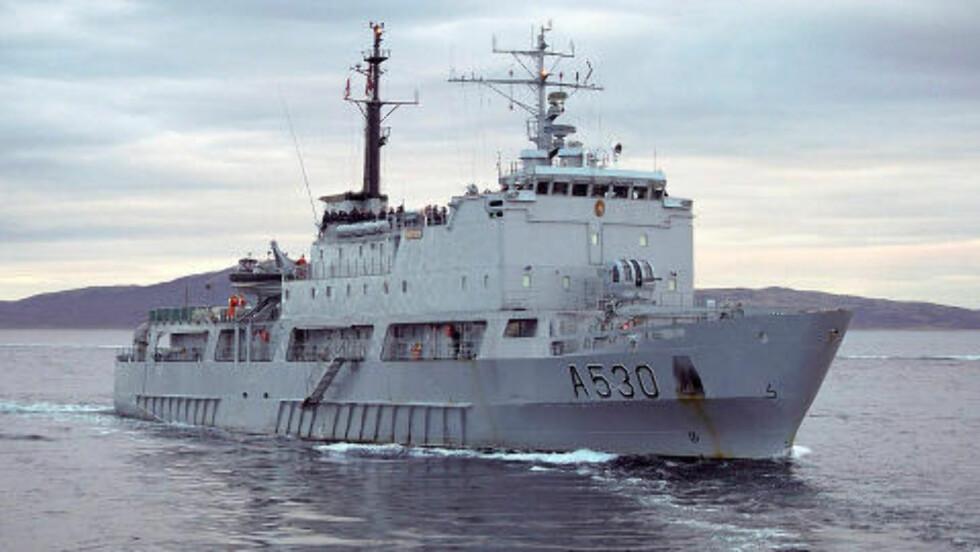 SOLGT: Støttefartøyet KNM Horten har tidligere fungert som norsk kongeskip. Nå er det en del av flåten til den nigerianske krigsherren Government «Tompolo» Ekpemupolo. Foto: Privat