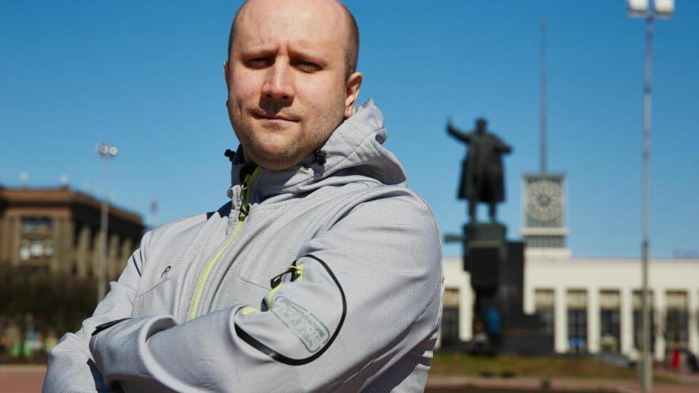 ANGRER IKKE: Aleksej Kusnetsov angrer ikke på jobben han gjorde. - Du vet, minst 80 prosent av det som er av pro-putinske ytringer på russisk på nettet er produsert av vanlige mennesker. Vi sto bare for toppen 20 prosent, forteller han. Foto: Morten Strand