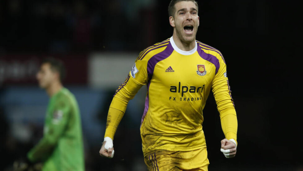 MATCHVINNER:  Adrian scoret på det siste straffesparket i FA-cupkampen mot Everton. Foto: NTB Scanpix