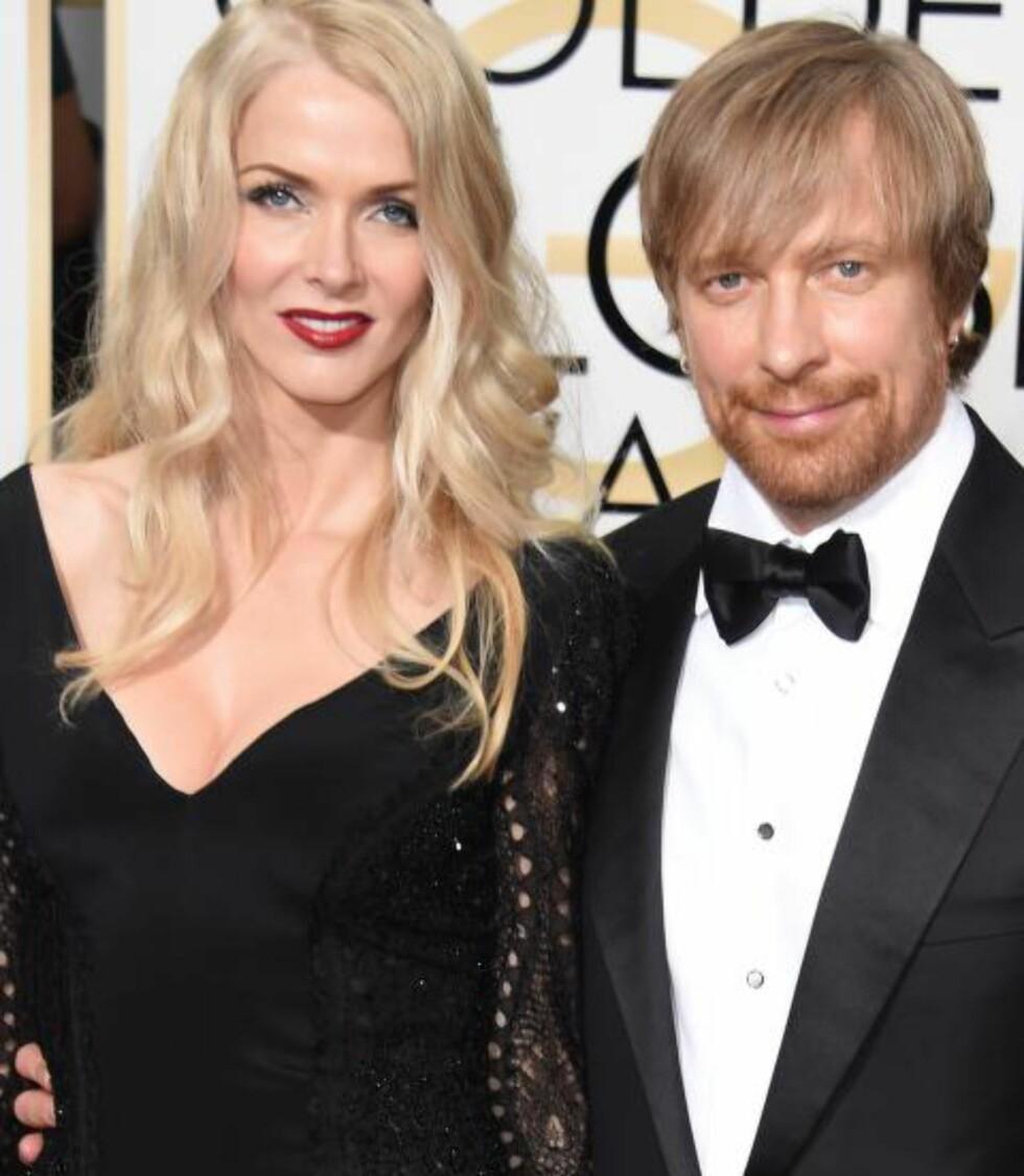 STORFAVORITT: Golden Globe-utdelinga forrige uke endte med null priser til Tyldum, her med kona Janne. Nå er han likevel nominert til en drøss Oscar-priser.