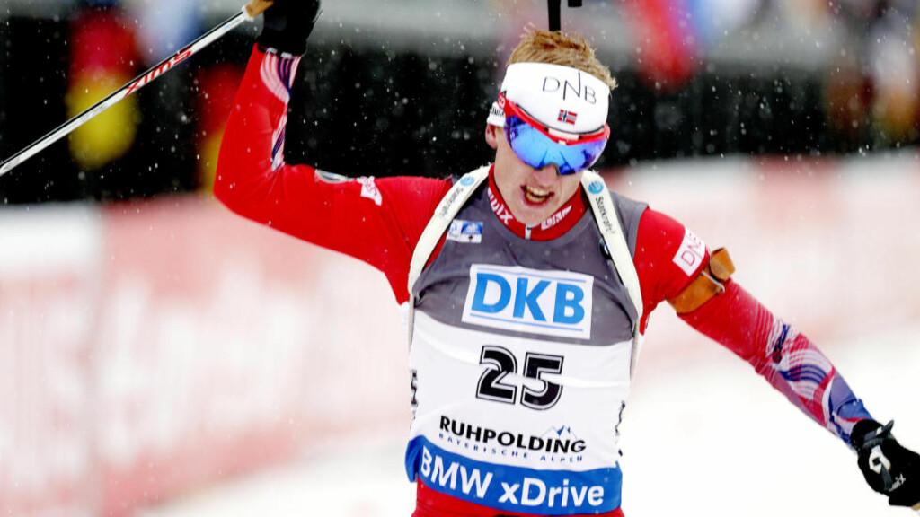 ANDRE SEIER: Johannes Thingnes Bø gikk styggfort i snøværet i Ruhpolding - og skjøt feilfritt på sprinten. Foto: Vidar Ruud / NTB scanpix