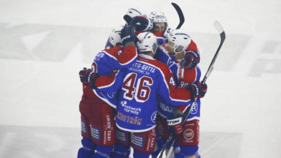 VIF-JUBEL:  Vålerenga slo Stavanger Oilers for første gang denne sesongen. Foto: Heiko Junge / NTB scanpix