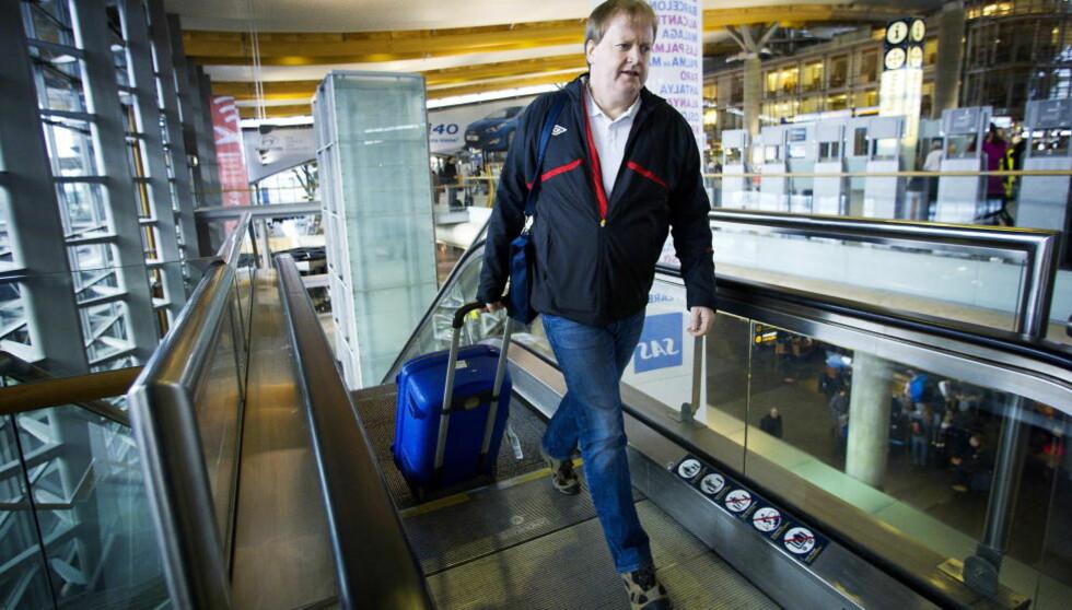 EUROPA RUNDT: Norges fotballpresident Yngve Hallén reiser mye i vinter - i håp om at han i mars velges inn i UEFA-styret. Foto: Terje Pedersen / NTB Scanpix