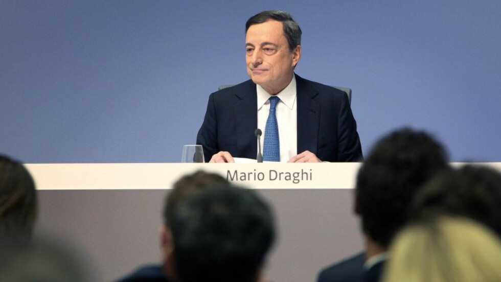 MEKTIG: Mario Draghi er president i den europeiske sentralbanken, og er nummer åtte på listen over verdens mektigste personer. Foto: AFP PHOTO / DANIEL ROLAND / NTB Scanpix